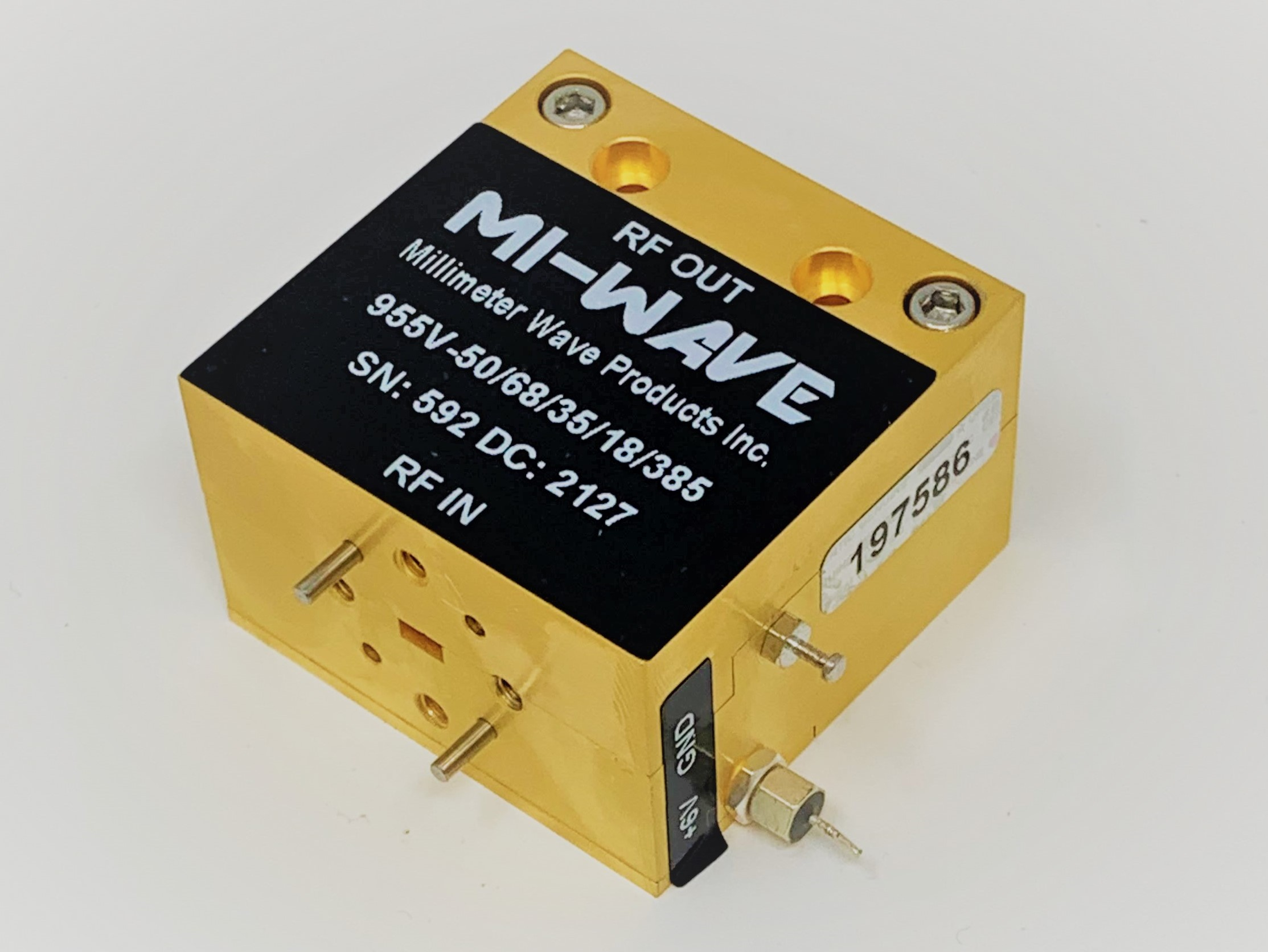 50GHz to 68GHz low noise amplifier