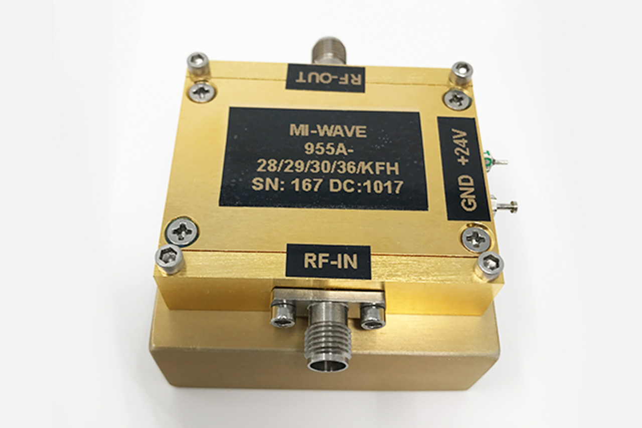 955A‐28/29/30/36/KFH, RF Power Amplifier, 28GHz ‐ 29GHz, Small Signal Gain 40dB, P1dB 32dBm, Psat 36dBm, VSWR 2.0 :1