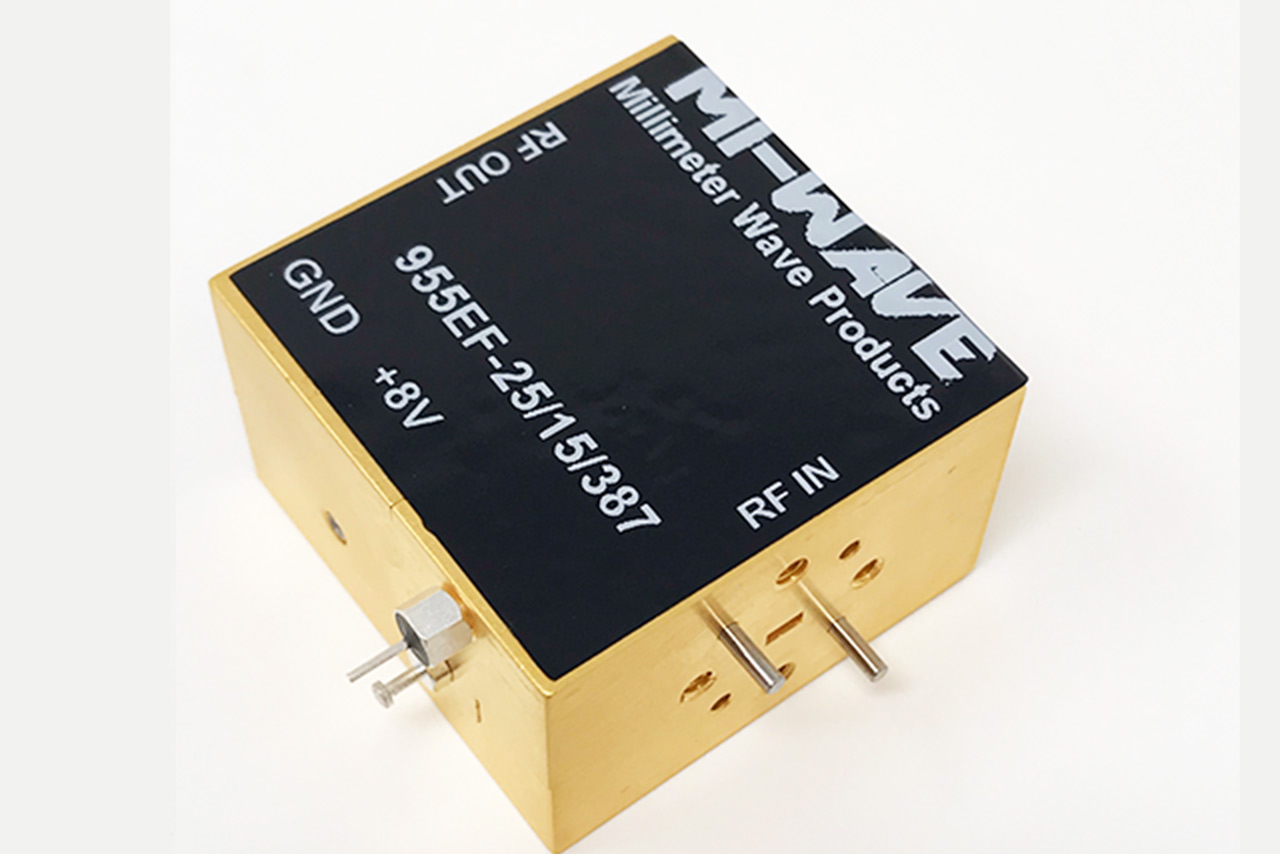 955EF-25-15-387, RF Power Amplifier, 60GHz - 90GHz, Small Signal Gain 30 dB, Noise Figure 5 dB, Output Power @ Psat= 15 dBm