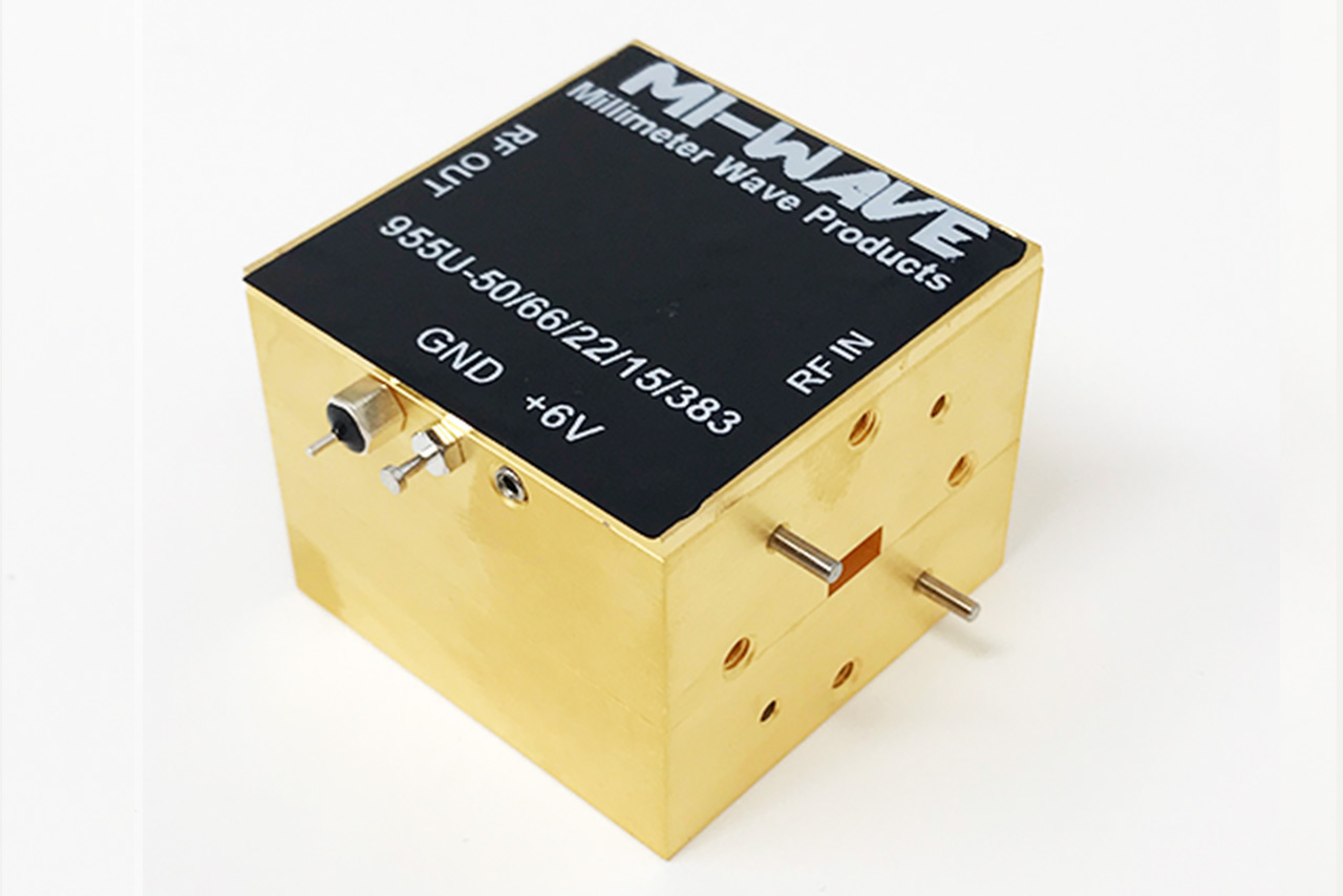 955U-50-66-22-15-383, Low Noise Amplifier, 50GHz - 66GHz, Small Signal Gain 22dB, Output Saturated Power +15dBm