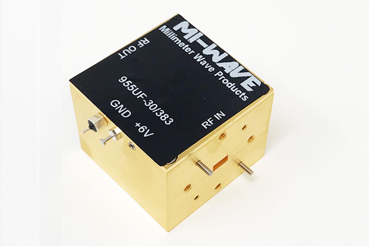 955UF-30-383, Low Noise Amplifier, 40GHz - 60GHz, Small Signal Gain 30dB, Noise figure 5dB